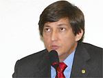 O deputado Carlos Rodrigues renuncia ao mandato