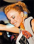 Atriz Natália Rodrigues devia parar de fumar