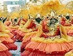 Ala da escola Império de Casa Verde durante desfile