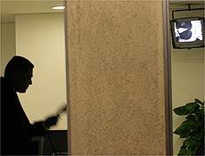Televisão transmite filmagem atribuída ao PCC em guarita da sede da Rede Globo