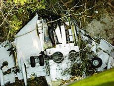 Imagem mostra destro�os de avi�o da Gol que caiu em �rea de mata fechada em MT