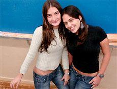 Carolina Borghi Lins e Lívia Galli Carneiro, que têm problemas com exatas no cursinho