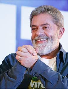 Em 1º discurso da vitória, Lula diz que vai transformar Brasil em país desenvolvido