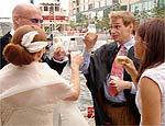 """""""My Fabulous Gay Wedding"""", série de humor sobre uma união gay"""