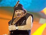 Guitarrista mexicano Carlos Santana, 58, vem ao Brasil