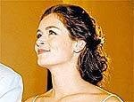 Bianca Castanho vai interpretar a sofredora Cristal