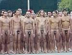 Nudez em público é o filão do fotógrafo Spencer Tunick