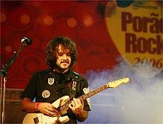 Rodrigo Netto toca em Brasília, em seu último show com a banda, na madrugada do domingo