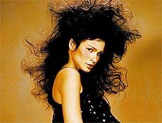 Caroline Ribeiro ganhou fama internacional ao virar modelo preferida de Tom Ford