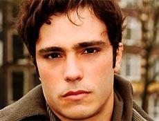 Thiago Rodrigues interpreta o mauricinho Leo