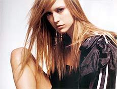 Gaúcha Raquel Zimmermann foi estrela da campanha da marca italiana Prada em 2004