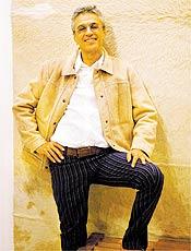 Caetano Veloso diz qe buscou inspiração no punk para novo CD