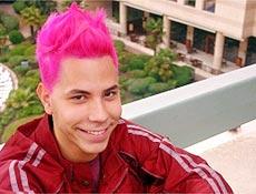 RBD Christián Chávez, 23, assumiu ser gay após vazarem imagens suas com outro homem