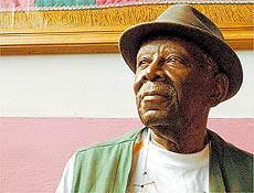 O sambista Jamelão foi internado no Rio