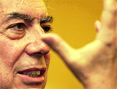 "Mario Vargas Llosa é autor do romance autobiográfico ""Travessuras da Menina Má"""