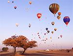 Campeonatos de balonismo colorem os céus