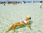 Praia na ilha de Sanoa, uma das mais procuradas