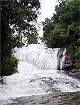 Cachoeira do Simão atrai turistas em Gonçalves