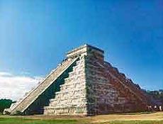 Pirâmide de Chichén Itzá, em Iucatã