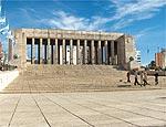 Monumento à Bandeira argentina homenageia estandarte nacional