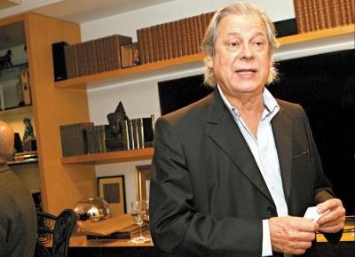 José Dirceu, mais magro e com cabelos mais longos, no jantar para Pinheiro Guimarães