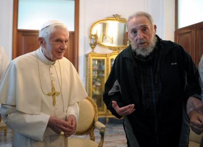 <b>CATECISMO:</b> Bento 16 e Fidel Castro, durante encontro em que o líder cubano quis saber qual a missão de um papa